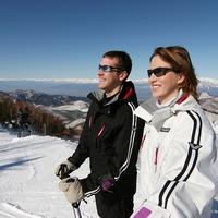 ≪熊の湯スキー場限定リフト券付≫ お得なリフト1日券付き 一泊二食 ◆ホテル目の前のスキー場です。