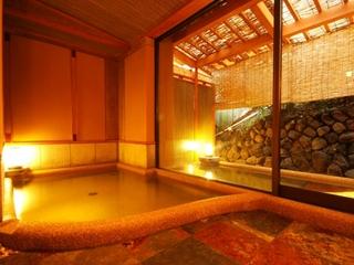 【基本プラン】京都嵐山にて。趣向を凝らした月替り京懐石と展望露天風呂を満喫【2食付・夕食はお部屋食】