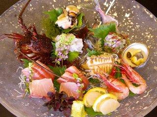 【カップルde豪華料理!】イセエビ・アワビ・サザエ・地魚「豪華お刺身盛」&柔らか「和牛陶板焼」付!