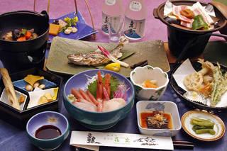 こごみ・わらび・ウド・ネマガリタケ!山菜食べつくし&岩魚プラン【選べる部屋食】