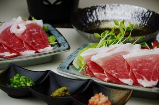 【グレードアップ】宮崎A4等級霜降り宮崎牛&小林産黒豚&小林産若鶏のお肉三味満喫プラン!