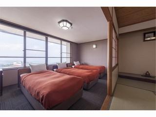 ◆和洋室(トリプル+8畳)◆個別空調完備◆バス・トイレ付◆