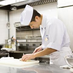 【定番1泊2食付き/こだわり和会席】料理長が厳選した季節の食材をふんだんに使ったこだわり和会席