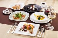【平日限定】国産牛肉、信州サーモンや海の幸などの本格フレンチコース(TAX)