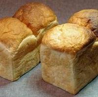 チェックイン21時までOK♪自家製パンの朝食付プラン