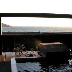 【連泊プラン】全8棟古民家風「離れ」の隠れ宿で創作懐石と駿河湾を眺めながら源泉かけ流しの温泉を