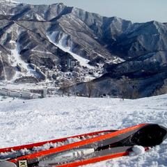 【温泉×スキースノボ】 苗場スキー場1日リフト券付★1泊2食付きプラン