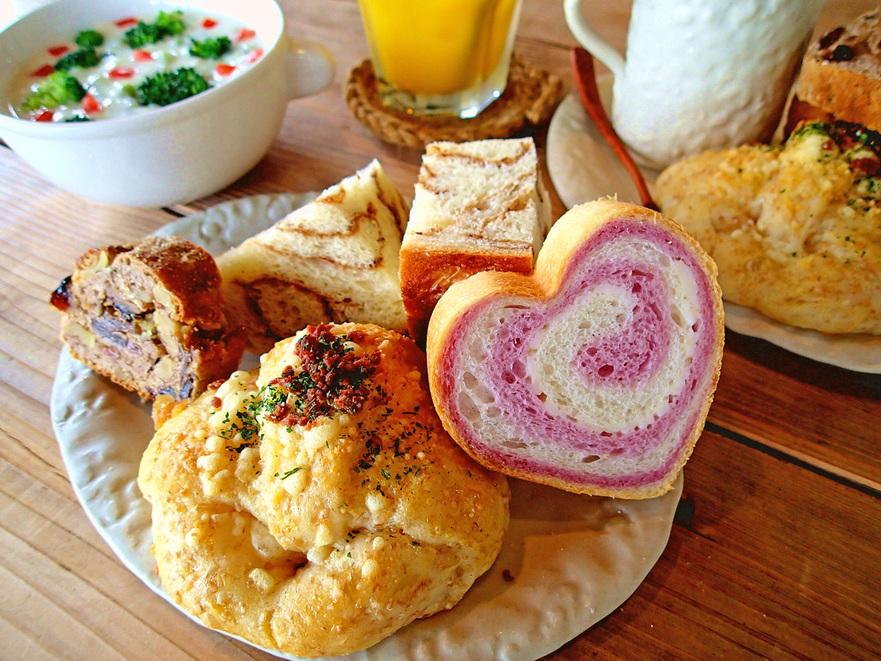 沖縄北部の観光に☆自家製天然酵母パン☆ 風来荘自慢の朝食付きスタンダードプラン
