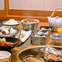 【一泊朝食プラン】金目鯛の味噌焼やアジの干物、自家源泉で作る温泉卵♪自慢の朝食をたっぷり召し上がれ♪