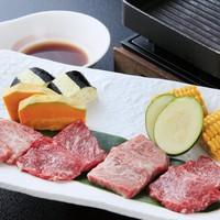 【お料理グレードUP】メイン料理は『前沢牛と短角牛のサーロイン食べ比べ』!地元ブランド牛の旨味を堪能