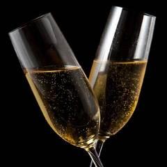 【ホテルで記念日をお祝い】パティシエ特製デコレーションケーキ&スパークリングワイン付プラン<朝食付>