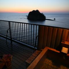 【LUX ROOM SALE】最大40%OFF【海を見渡す最上階 貴賓室】伊勢えび+鮑+和牛など