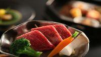 【厳選夕食】伊勢エビ・アワビ・牛肉鉄板焼き付和会席 2食付