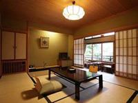 草津ホテルの客室の写真