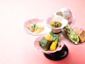 【春の摘み草料理と自慢の鍋会席プラン】春のお愉しみ