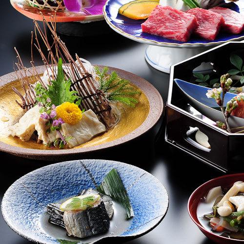 【スタンダード】当館一番人気のご夕食 お勧め創作会津郷土料理/ダイニングでは地酒も豊富にご用意!