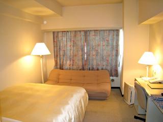 ビジネス一番人気!【シンプルステイ・プラン】客室21㎡★ベッド幅140cmのデラックス・シングル