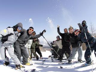 【お先でスノ。】★グランディ羽鳥湖スキーリゾート リフト1日券付★ 1泊2食スキープラン