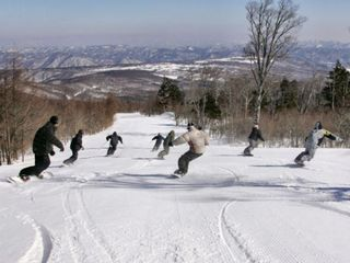 【お先でスノ。】【さき楽15】★グランディ羽鳥湖スキーリゾートリフト1日券付★ 1泊2食スキープラン