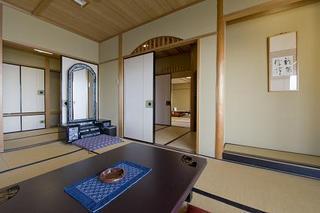 三河湾の絶景を一望する眺涛閣「特別室 和室二間」