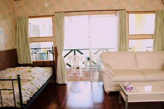 A洋室16畳Wベッド1台にロフト付ルーム素泊まりプラン格安現金特価