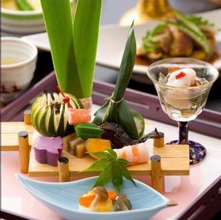 【女性にうれしい特典付】美肌パック・ハーフワイン付☆美食と温泉でゆったり贅沢な旅