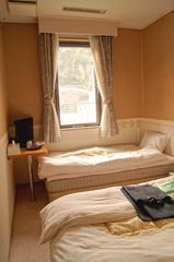 (訳あり)狭小部屋(8.3平米)洋室ツインルーム
