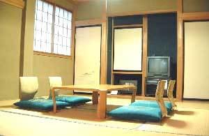 【 2〜3名様 】和室6畳/ウォシュレット付きトイレ