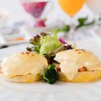 【春夏旅セール】明るい日差しの降りそそぐレストランで優雅な朝食をプレゼント