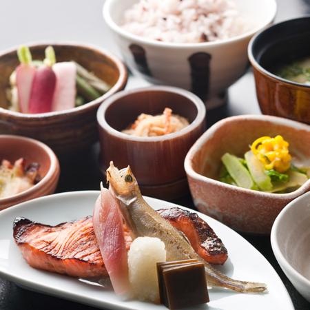 【JALホテルズ×JAL楽パック】 Breakfast & Spa 朝食&スパ付き/夜景満喫プラン