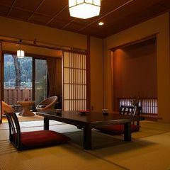 【さくら】半露天風呂付離れ(和室12畳+広縁8畳)約60平米