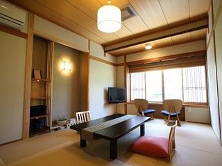 寛ぎの和室 三朝川側 角部屋