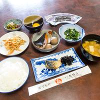 【二食付き】ファミリー歓迎♪海の幸・山の幸満載のおまかせ料理プラン