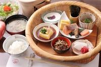 【春夏旅セール】【朝食付きプラン】小国産の炊きたてごはん・新鮮サラダなど「和」朝食・家族風呂4つ無料