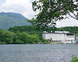 ◆【阿寒湖観光遊覧船乗船券付】ゆったり阿寒湖一周コースで大自然を満喫!【夕朝食付】