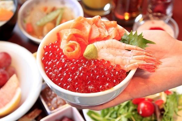 大好評!30種類の朝食バイキング付♪いくら・サーモン・甘海老・とびっこなど海鮮丼も食べ放題