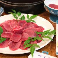 【すきやき風鹿鍋】天然の鹿肉!猟師しか食べられない贅沢料理<鹿鍋>に舌鼓