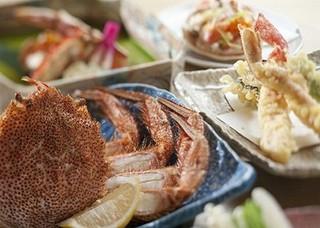 【美味旬旅】旅して応援!4大ガニ(ズワイ・タラバ・毛がに・花咲)の食べ比べ!かにづくしプラン