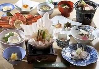 夕食は三大がに又はコラーゲン鍋御膳を選べるプラン(東館)