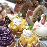 ★3つの中から選べる嬉しい特典付★≪ケーキセットorカフェのお食事or飲み放題からチョイス!≫朝食付