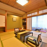 和室12畳(バス・トイレ付)