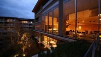 ハイクラスリゾートで優雅に過ごす〜和・洋から選べるこだわりの朝食付きプラン