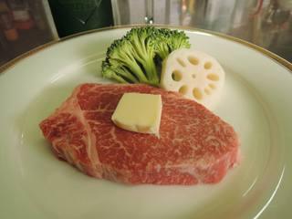 【ひょうご再発見】肉好きはたまらない柔らかい淡路牛フィレステーキちょっと大きめ130gフルコースP