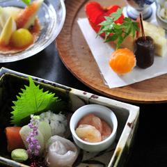 味わい深い肉・但馬玄(神戸ビーフ格付)の山家藁火焼き会席一泊二食(食事処)