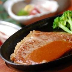 ●料理も満足したい方向け● 湯之迫会席+絶品「肥後牛のステーキ付」。部屋食&貸切風呂無料