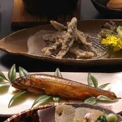 女将おすすめ!鮎のひつまぶしと季節の会席料理プラン◆現金特価◆<癒しの湯>