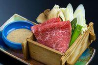 〈秋・料理長おすすめ!〉 「紫波もちもち牛」「松茸」「秋鮭」「芋の子」全14品の和会席膳♪