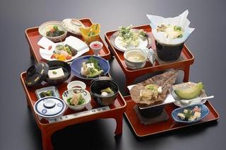 【風呂・トイレ付】ボリュームたっぷりの精進料理を楽しむ