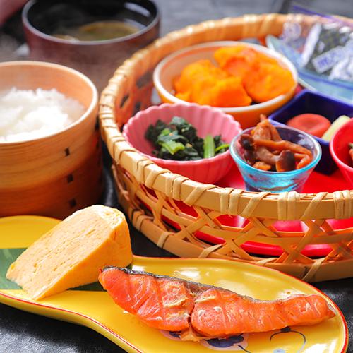 """【朝食付き】専用農家で作った""""コシヒカリ""""姫路の食材が満載<こだわりの和朝食>をお愉しみ"""