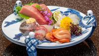 【アカオハーブ&ローズガーデン入園券付】熱海の高台から眺める景色と旬な食材を堪能【朝夕×お部屋食】